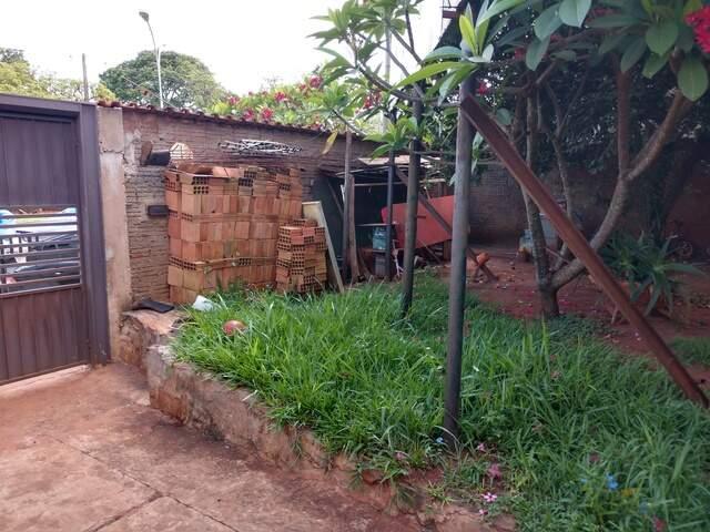 Terreno com casa na Av. Toros Puxian continuação Av. Interlagos – (67) 99292-900