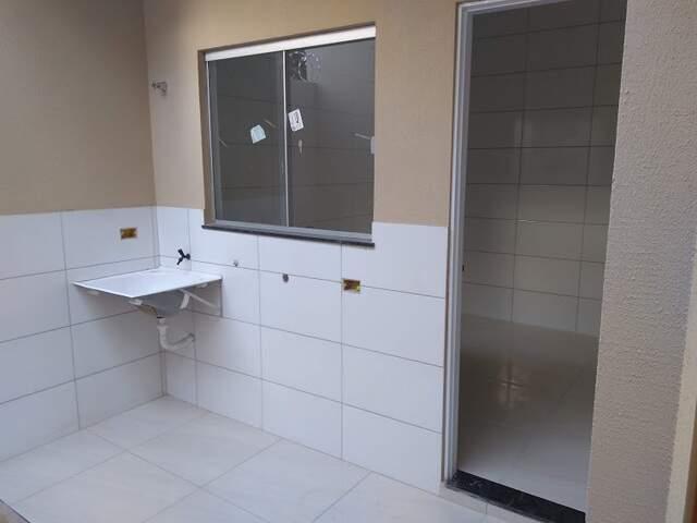 Maravilhosa casa-1 suíte-1 quarto-WC social-frente Shopping Center dos Ipês