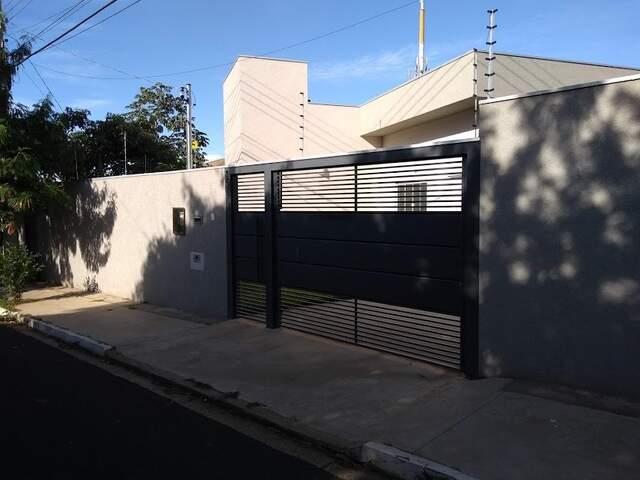 Belíssima casa 2 suítes - wc social-C. Antonino- Vila Margarida.