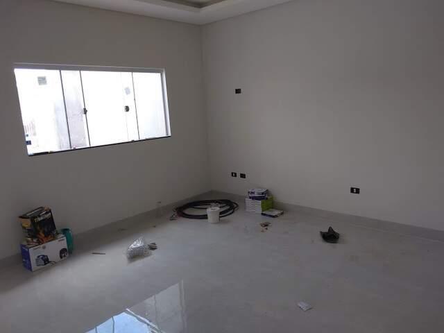 Maravilhosa casa com 1 suíte, 2 quartos, sala de estar, sala de jantar, garagem