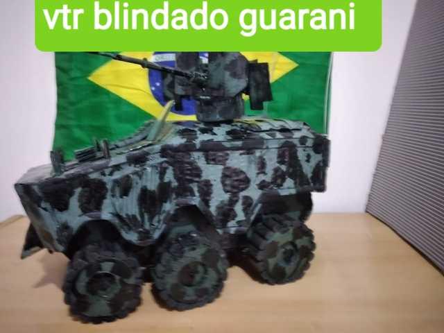 Réplica em Miniatura  Vtr blindado guarani