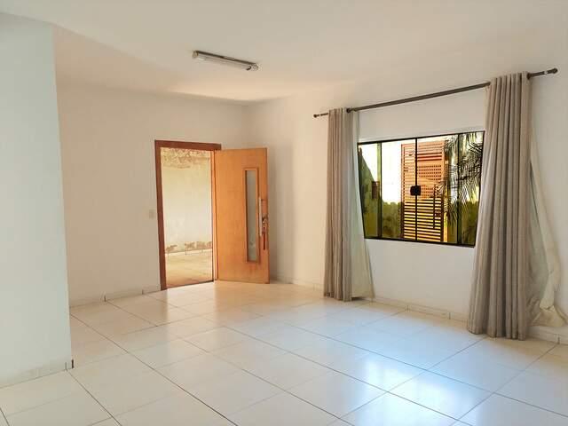 Casa térrea no Alto da Boa Vista bairro vizinho ao Parati (67) 99292-9002