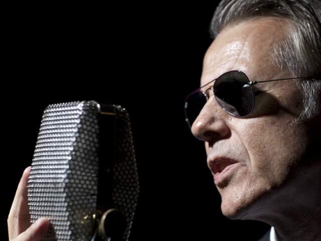 Ritche faz show em março em Campo Grande e ao Lado B fala sobre chegar aos 60