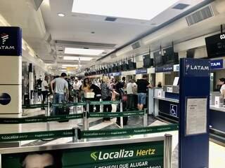 Aeroporto Internacional de Campo Grande em dia de grande movimento, algo que pode ser mais frequente em 2020 (Foto: Paulo Nonato de Souza)
