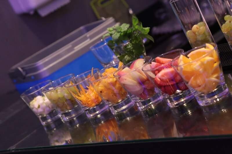 Laranja, morango, pêssego, carambola, uva e pêra podem entrar no Cléricot. (Foto: Fernando Antunes)