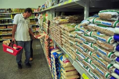 Batata e alho puxam alta e preço da cesta básica sobe 0,6% em junho