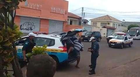Motorista bêbado que causou acidente dorme na cela
