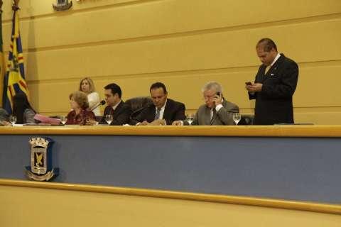 Câmara aprova isenção de ISS, mas tarifa de R$ 2,70 só vale por 2 meses