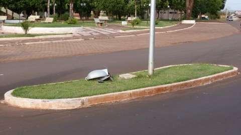 Jovem de 18 anos morre ao colidir moto contra poste em Ivinhema