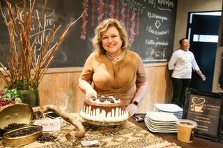 Para comemorar, até o bolo foi feito a base de café.