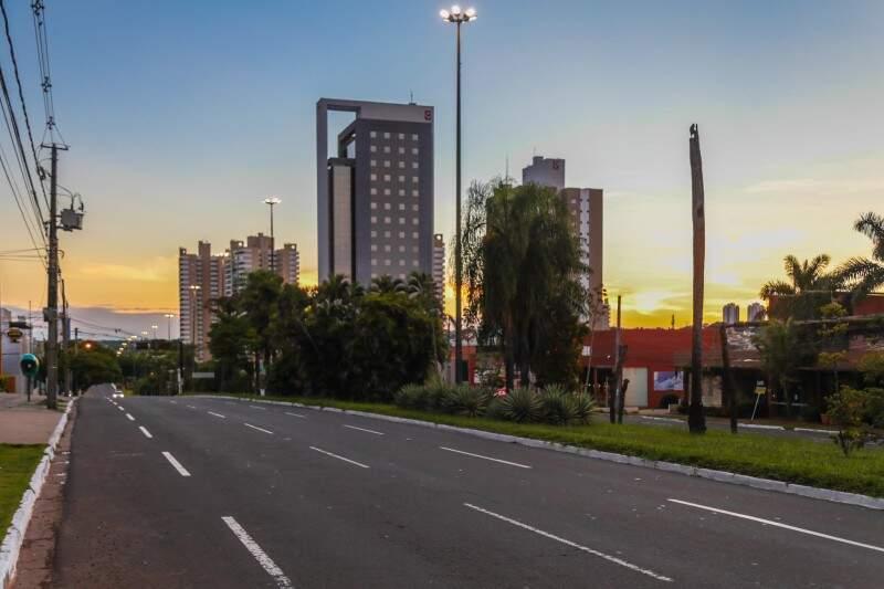 Primeiro dia útil de 2017 amanhece bonito em Campo Grande. (Foto: Fernando Antunes)