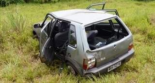 Veículo capota várias vezes e para fora da pista. (Fotos: Ivinotícias)
