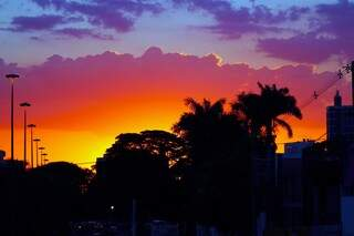 A quarta-feira na Capital amanheceu com céu claro e temperatura mais alta que ontem. (Foto: Marcos Ermínio)