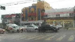 Batida interditou uma das pistas da avenida