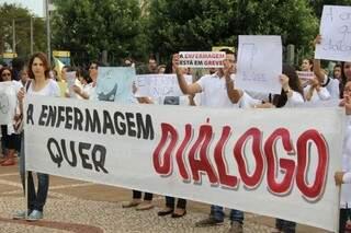 Em greve, enfermeiros protestam no Belmar Fidalgo (Foto: Marcos Ermínio)