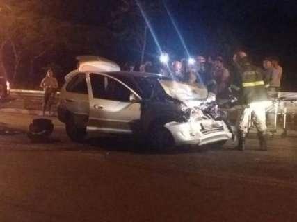 Criança de quatro anos morre em colisão entre carro e camionete