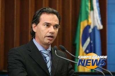 Após acordo com governador, análise de veto do IPVA fica para 2014