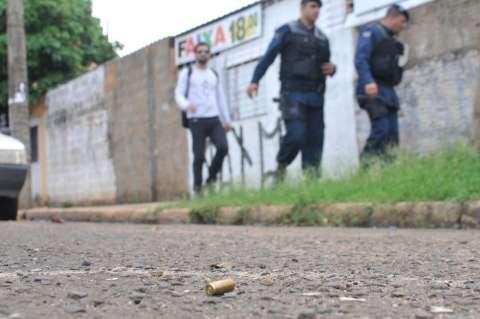 Policial militar é morto a tiros após discutir com homem em conveniência