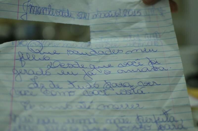 """Trecho com """"meu amor'' foi arrancado e acabou se perdendo. (Foto: Alcides Neto)"""