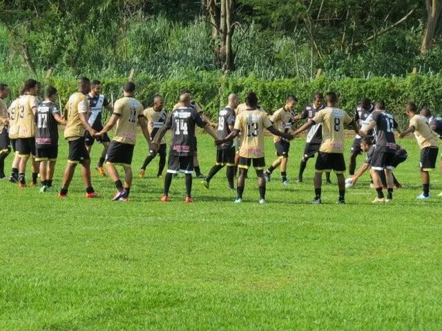Grupo já conta com 29 jogadores e não deverá mudar muito para a temporada 2014 (Foto: Misto/Assessoria)