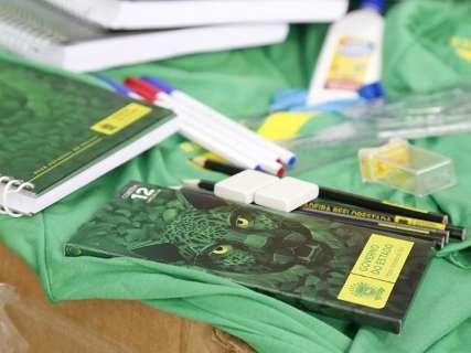 Governo compra 290 mil kits para alunos da rede estadual de ensino