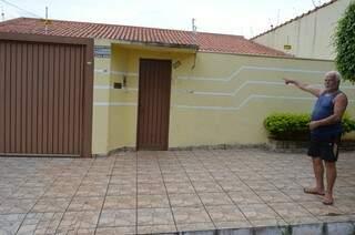 Foi na Rua Santa Amélia, na Vila Carvalho, numa casinha de nove cômodos, de madeira, que Felipão resolveu fazer a Unidos da Vila Carvalho. (Foto: Pedro Peralta)