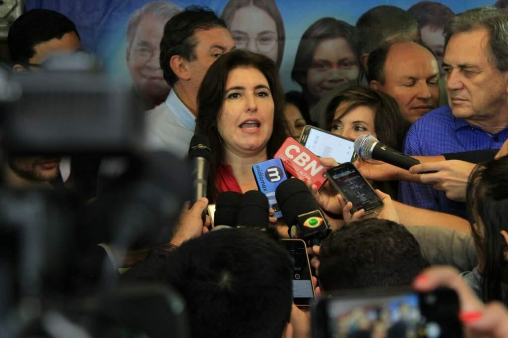 Simone (ao centro) substitui Puccinelli na disputa do governo do Estado. (Foto: Marina Pacheco)