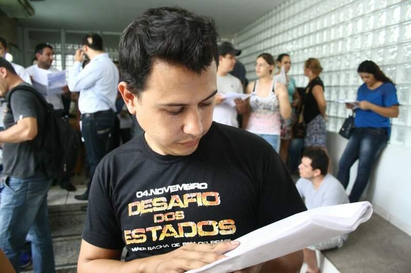 Rafael arrematou peças automotivas e acredita que fez um bom negócio (Foto: Marcos Ermínio)