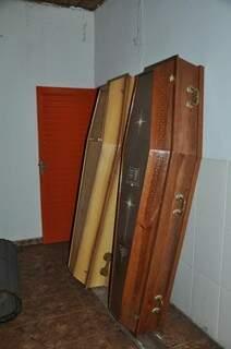 Caixões apreendidos em Douradina. Foto: Divulgação