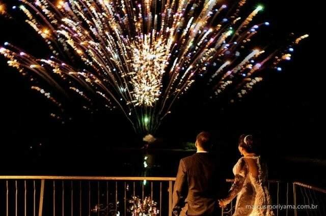 Imagem que não sai da cabeça de Guilherme, os fogos do casamento que anunciaram um futuro ao jovem casal, que não aconteceu. (Foto: Marcus Moriyama)