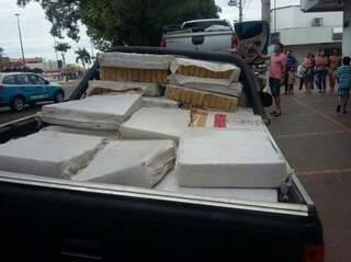 Droga foi encontrado em caçamba de caminhonete. (Foto: Divulgação)