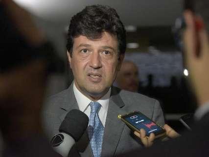 """Com Bolsonaro e outros ministros, Mandetta diz que discutirá """"ações articuladas"""""""
