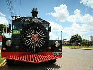 Trem nos trilhos, em 1996 chegou a ver de a família estrear o Expresso 96. A segunda locomotiva da família. (Fotos: Marcos Ermínio)