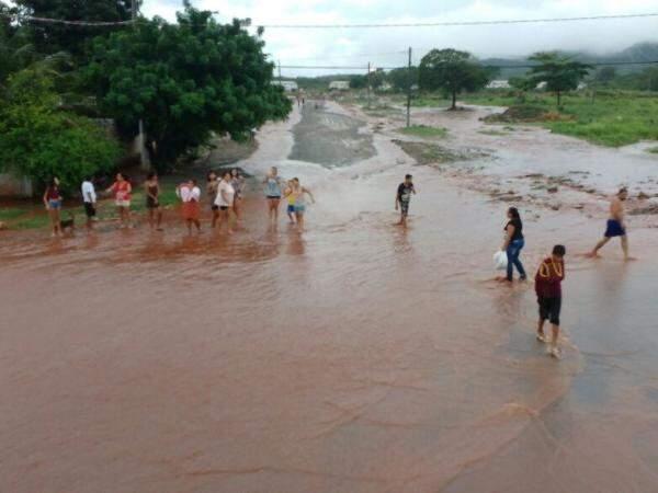 Bairros da região sul foram os mais prejudicados pelos alagamentos (Foto: Divulgação/Bombeiros)