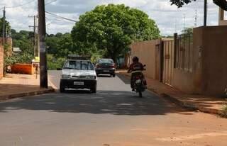Até R$ 50 mil seriam suficientes para modificar tráfego na região, mas prefeitura não conseguiu verbas (Foto: Cleber Gellio)