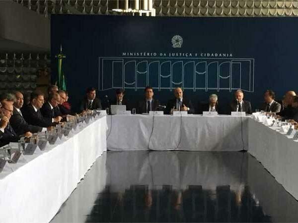 Alexandre de Moraes realiza reunião com os Secretários de Assuntos Penitenciários e Secretários de Segurança Pública dos Estados (foto: Reprodução Twitter/ Ministério da Justiça )