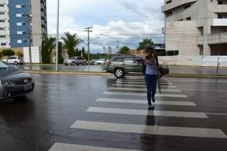 Poucos motoristas tem a consciência de dar a preferência para os pedestres (Foto: Pedro Peralta)