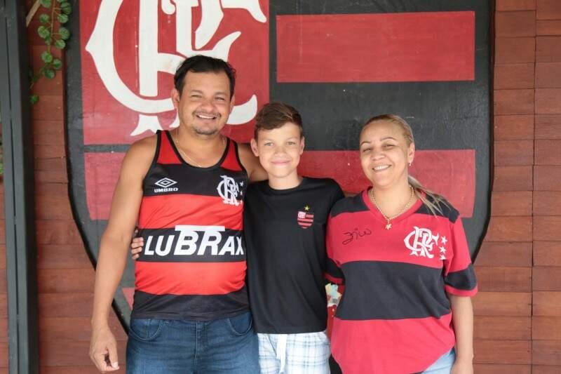 Família Flamenguista já ficou conhecida na Vila Margarida. (Foto: Fernando Antunes)