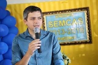 Aluízio é prefeito de Coxim. (Foto: Reprodução Facebook)