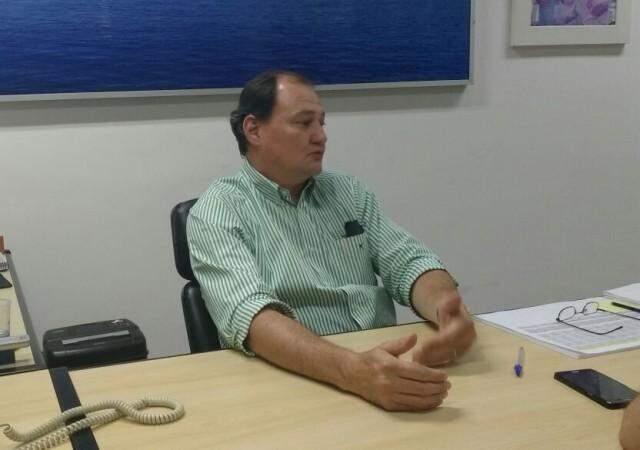Secretário de Infraestrutura diz que problemas da MS-180 se resolverão na Justiça (Foto: Ricardo Campos Jr.)