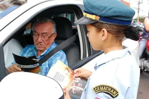 Blitz educativa alerta motoristas sobre conscientização no trânsito