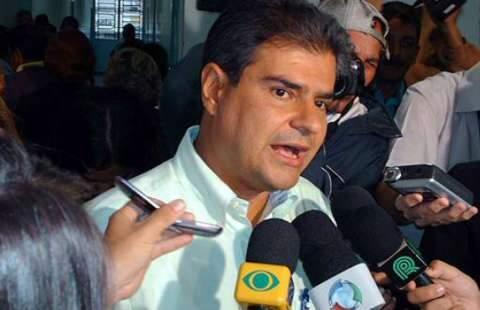 Prefeito diz que usou critérios técnicos e não políticos para manter secretários