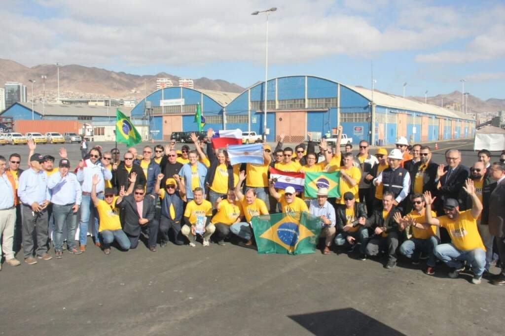 Comitiva de empresários, transportadores e jornalistas de Mato Grosso do Sul na rota bioceânica (Foto: Sílvio de Andrade)