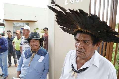 Cerca de 40 indígenas ocupam órgão de saúde e pedem explicação de ministro