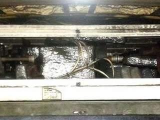 A droga estava escondida no sistema de ar-condicionado de um ônibus. (Foto: divulgação PF)