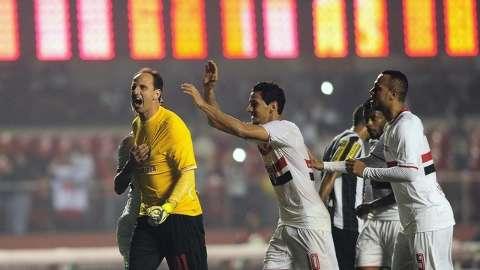 São Paulo vence o Santos por 3 a 2 com gol decisivo de Rogério Ceni