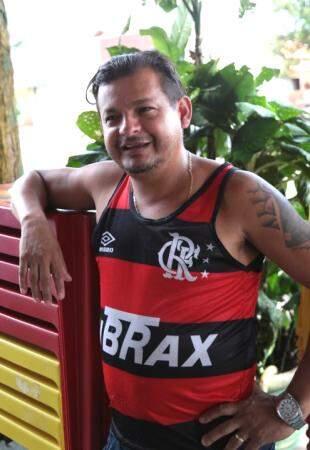 Fanático, só jogo do Flamengo passa no bar de Domingos. (Foto: Fernando Antunes)