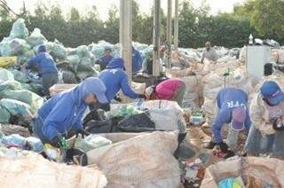 Trabalhadores da UTR terão mais material com a ampliação da coleta seletiva. (Foto:Divulgação)