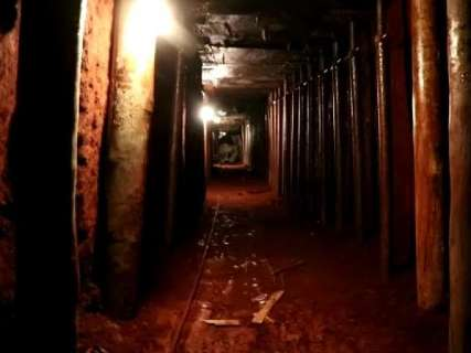 Banco usou 6 caminhões de concreto para fechar túnel aberto por ladrões