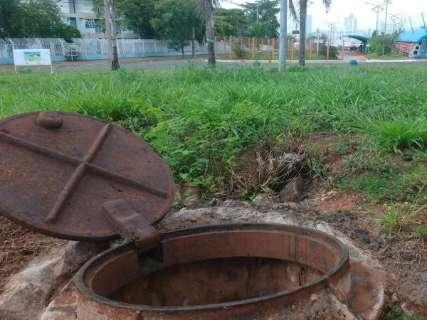 Além da buraqueira nas ruas, espaços públicos estão sem manutenção